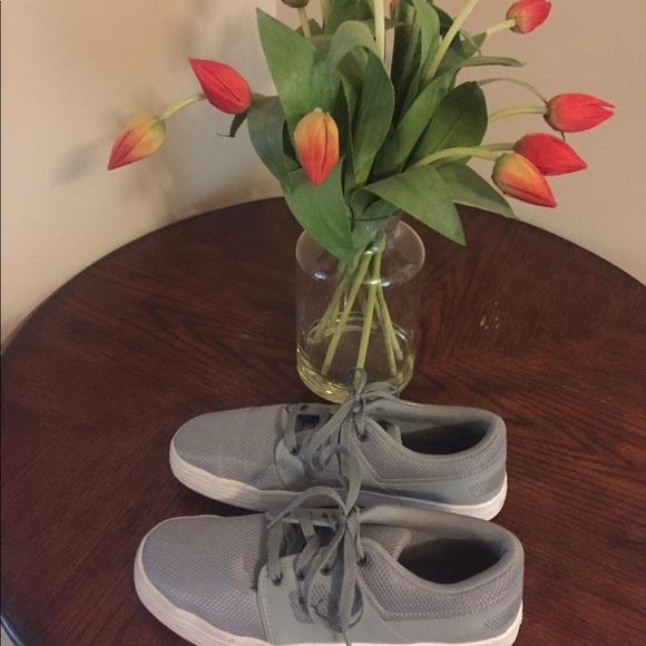 PUMA GREY   WHITE SIZE9 shoes fcb31174b
